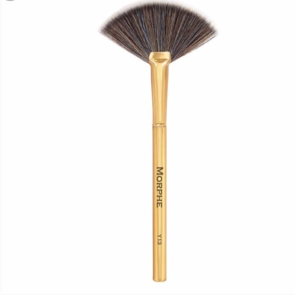 Morphe Makeup Morphe Y3 Pro Highlight Fan Brush Gold Poshmark Free delivery and returns on ebay plus items for plus members. morphe y13 pro highlight fan brush gold